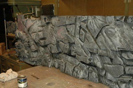 De achter wand is nu klaar voor de laatste twee lagen epoxy.